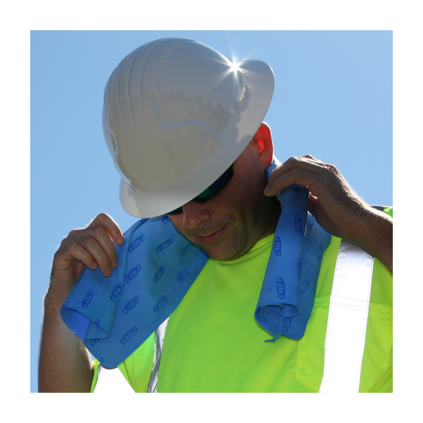 Sweat Towel On Neck: Protective Industrial Products :: Products :: Heat Stress